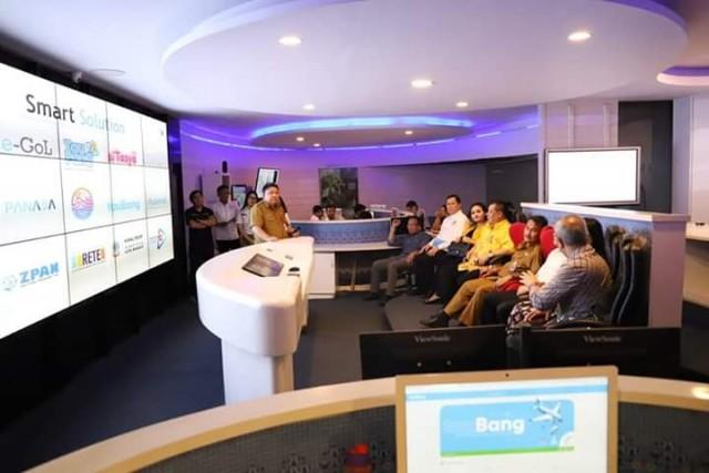Kadis Kominfo Manado Presentase 12 Aplikasi C3 ke Wawali Huangshan dan Rombongan