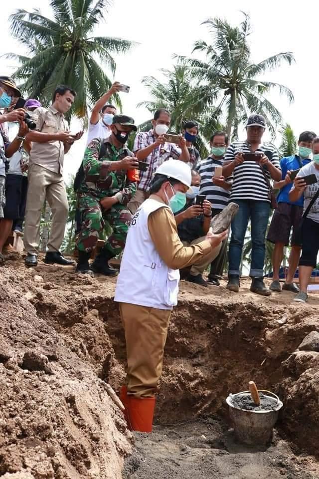 Walikota Manado Lakukan Peletakan Batu Pertama Pembangunan Rumah Adat Toraja