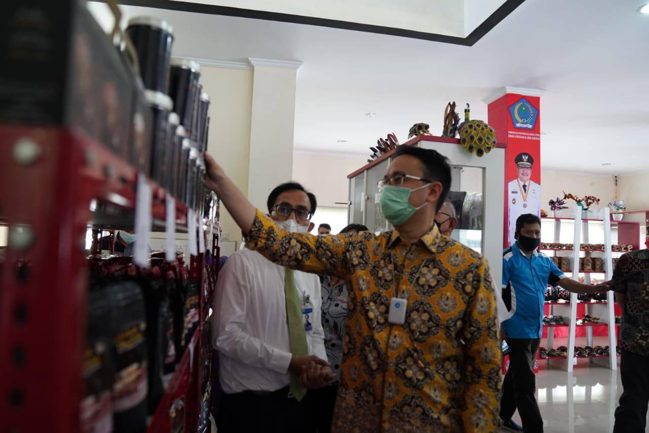 Kunjungi Kios UMKM, Wamendag: Produk di Sulut Bisa Diekspor ke Luar Negeri