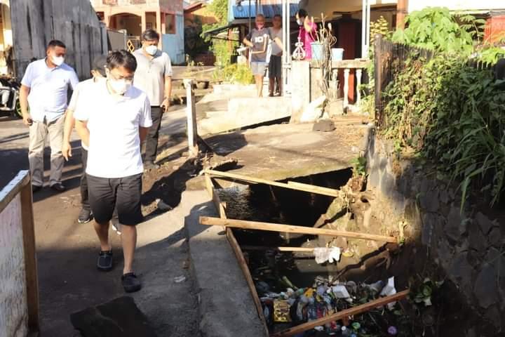 Kembali Tinjau Drainase di Kumaraka, Begini Imbauan Walikota