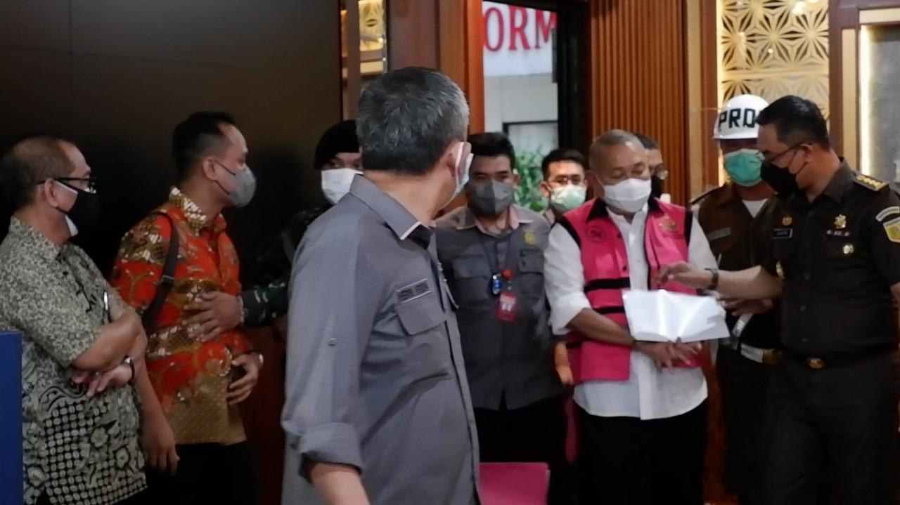 Kejagung Tetapkan Tersangka dan Tahan Mantan Gubernur Sumsel dan Direktur  DKLN/Komut PDPDE